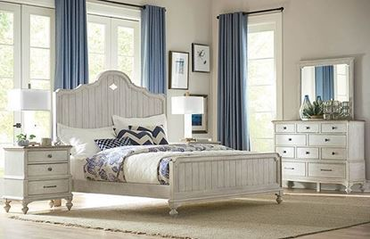 Litchfield Bedroom with Laurel Panel Bed